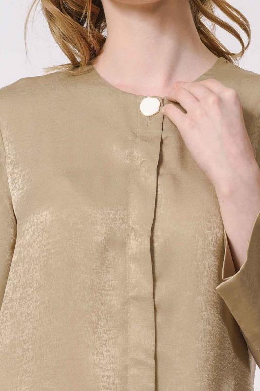 Trim Buttoned Blouse (Beige)