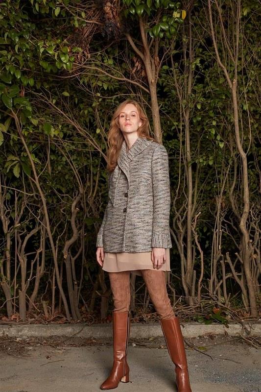 معطف تصميم قصيرة (البيج)