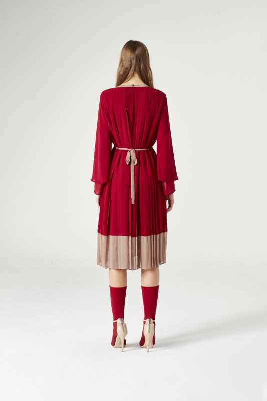 Tricolor Pleated Dress (Claret Red)