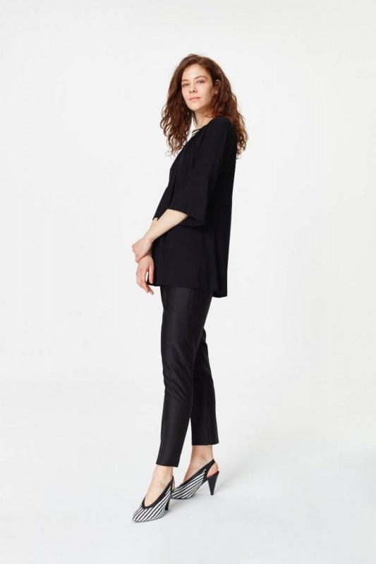 Yakası Ribanalı T-Shirt (Siyah)