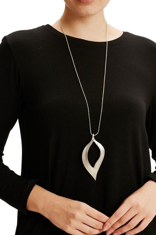 Leaf Formed Necklace (Silver)