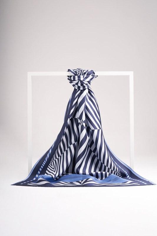 Zebra Patterned Shawl (Blue)